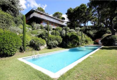 Villeneuve les Avignon Maison 8 Pièces 220 M² terrain 3200 M²