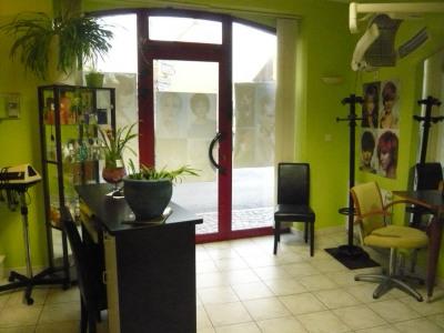 Local commercial - Salon de coiffure d'env 30m²