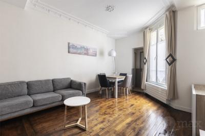 Appartement Courbevoie 3 pièce(s) 60 m2