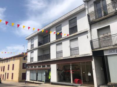 IMMEUBLE TARTAS 6 logements / 2 locaux commerciaux