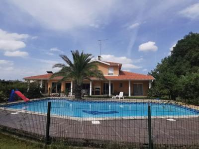 Maison Dax 8 pièce (s) 260 m²