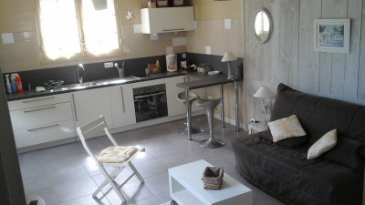 Maisonnette/studio avec terrain, 150m plage de Nauzan, St-Palai-