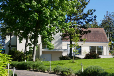 A 1h30 seulement de Paris, MAGNIFIQUE VILLA DE 300 m² avec p