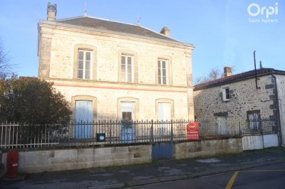 Maison La Gripperie Saint Symphorie 3 pièce (s) 102