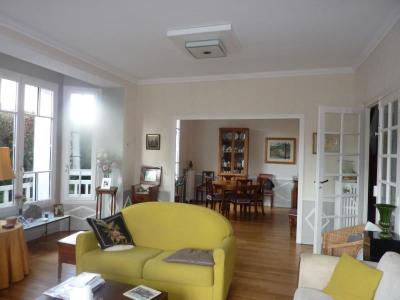 Maison Familiale FONTAINEBLEAU - 6 pièce (s) - 168 m²
