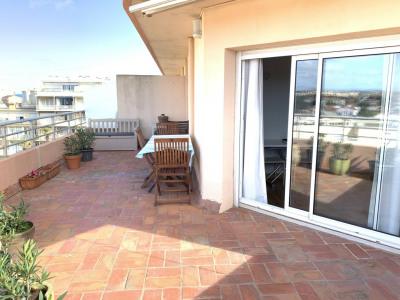 F2 en dernier étage avec terrasse de 22 m²