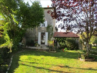 Maison de village cherveux - 4 pièce (s) - 120 m²