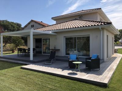 Villa contemporaine T6 de 168m² avec terrain de 1000m²