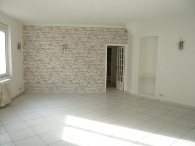 Appartement T3 au 1er étage de 104 m²