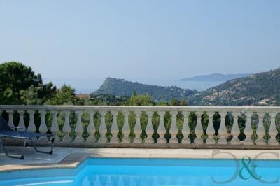 Villa vue mer avec piscine à vendre dans domaine privé
