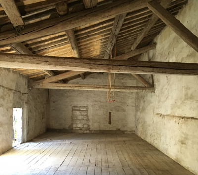 Bâtisse de 1830 et ses dépendances