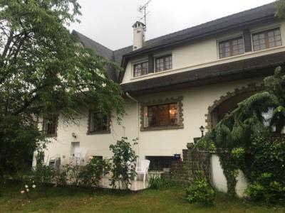 Maison Livry Gargan 8 pièce(s) 205 m2