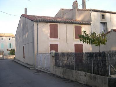 Maison avec garage et cour