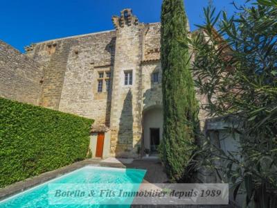 Castello 16 vani