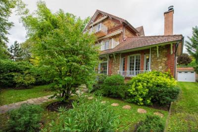 Maison Maisons Laffitte 8 pièce (s) 186.40 m²