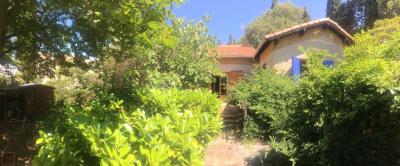 Aix en provence - villa T4 à rénover + garage s/700 m²
