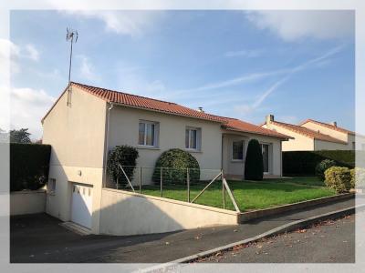 Maison Saint Pierre Montlimart 5 pièce (s) 117.19 m²