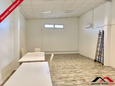 Local commercial Saint Pierre 250 m²