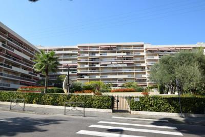 2 pièces vue mer centre ville, 49,74 m² - Golfe-Juan (06220)