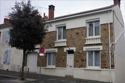 Maison bourgeoise la roche sur yon - 6 pièce (s) - 110 m²