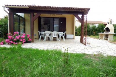 Maison plain-pied, 3 chambres avec jardin et piscines