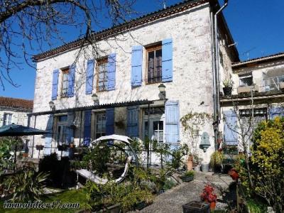 Maison de village - 8 pièces - 240 m²