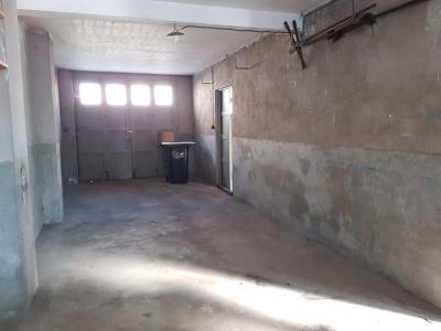 Local à usage de garage ou dépôt