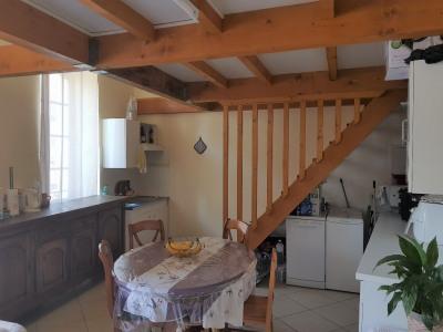 Cadenet à louer appartement T4 de 76 m² avec balconnet