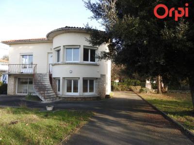 Maison atypique L'EGUILLE, 150 m²