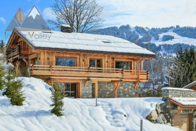 Magnificient brand new chalet with luxurious amenities in Megève