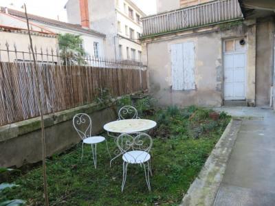 Grand appartement à louer avec terrasse 2 pièces