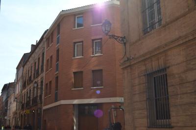 Studio Capitole balcon cuisine équipée buanderie