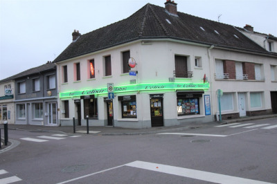 Immeuble commerce et habitation Oissel 6 pièces 146 m²