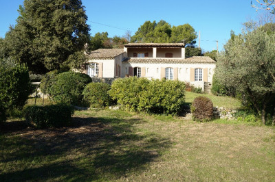 House VILLENEUVE LES AVIGNON 7 Rooms 210 m² on a plot of 2350m² with swimming pool