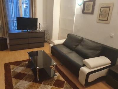 Grand studio meublé clair calme