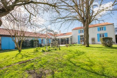 Propriété charentaise - 260 m² habitables