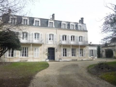 House / villa 11 rooms Centre Ville de Cognac
