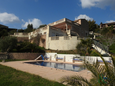 Villa for sale near the village with sea view and pool