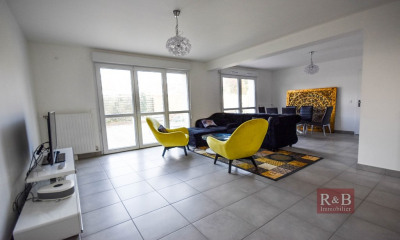 Maison Plaisir 7 pièce (s) 150 m²