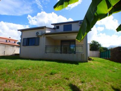 Maison F4 de 97 M²