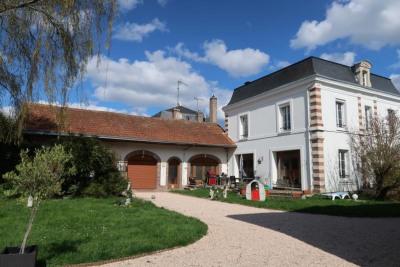 Maison bourgeoise - 8 pièces - 217 m²
