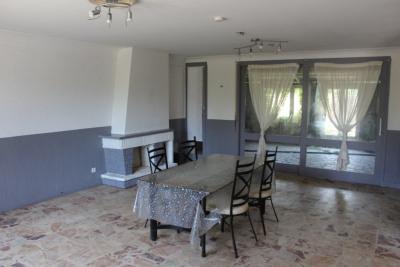 Maison à rénover sur 4000 m² de terrain