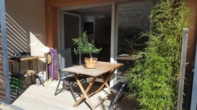 Sale apartment Trets 224000€ - Picture 1
