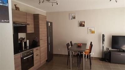 Sale apartment Trets 224000€ - Picture 3