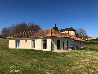 Maison Saint Jean Poudge 5 pièce (s) 108 m²