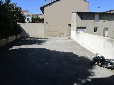 Place de parking ouvert