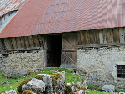Village house to renovate in the Massif des Bauges