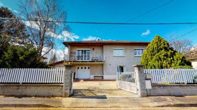 Maison Chassieu 6 pièce (s) 150 m²