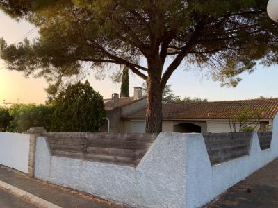 Maison de plain-pied double garage à Vauvert