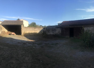 TERRAIN CONSTRUCTIBLE ST PIERRE MONTLIMART - 460 m2
